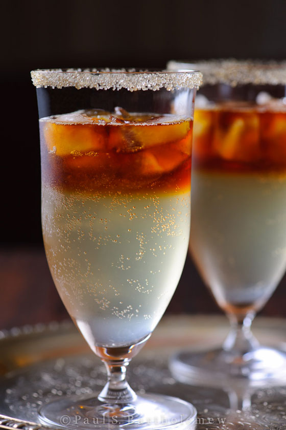 30+ Holiday Cocktails - The Dark & Stormy Cocktail