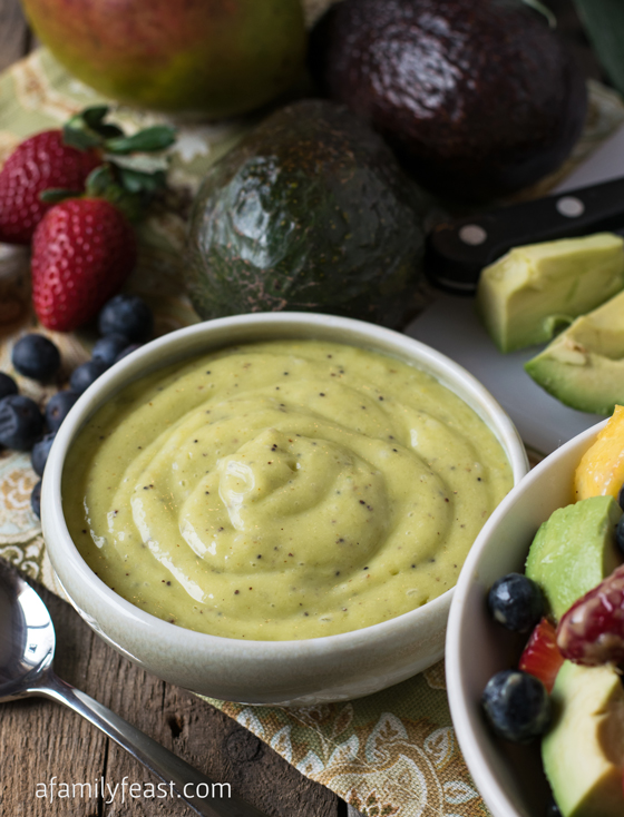 Avocado Poppy Seed Dressing - A easy and super delicious dressing that is great on fruit salads, or used as a dip! #LoveAvocado