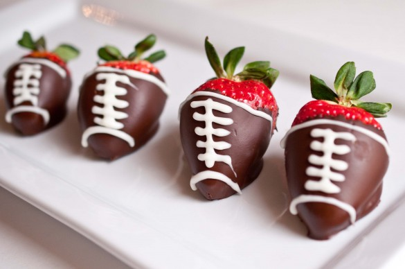 Football Chocolate Covered Strawberries - 15 Fun Football Foods