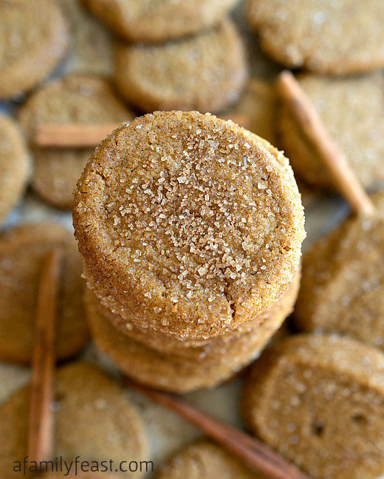 Saigon Cinnamon Ginger Cookies - Sweet crunchy-chewy sugar cookies with cinnamon and ginger flavor! Some of the best cookies I've ever eaten!