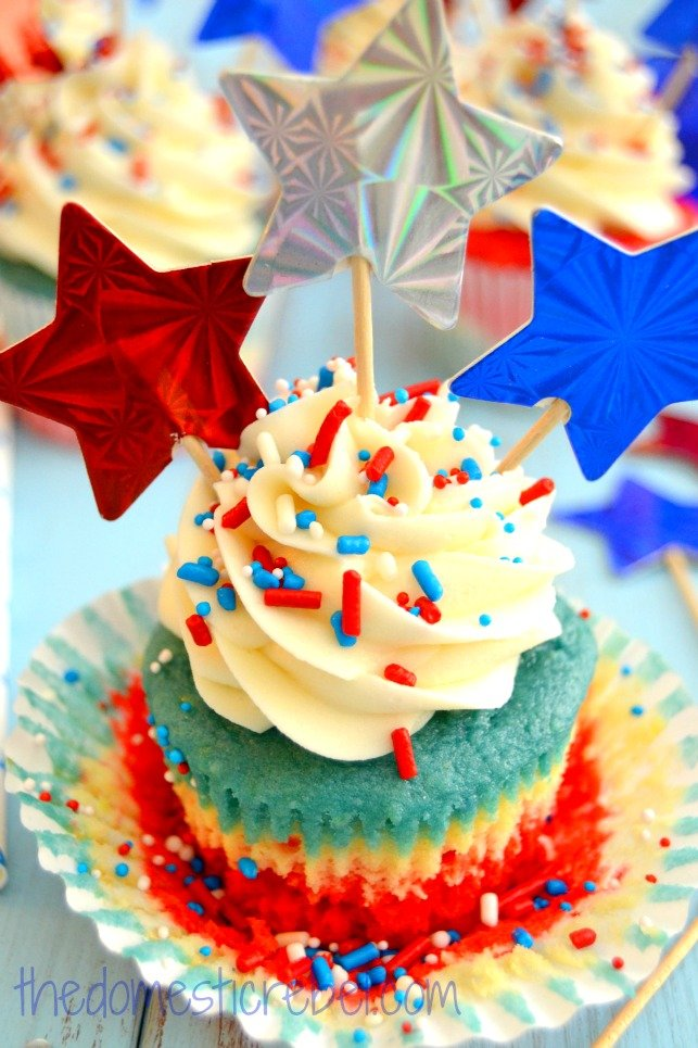 Patriotic Tye Dye Cupcakes - One of over 25 patriotic holiday recipes to help you celebrate Memorial Day, 4th of July, Flag Day, or any day!