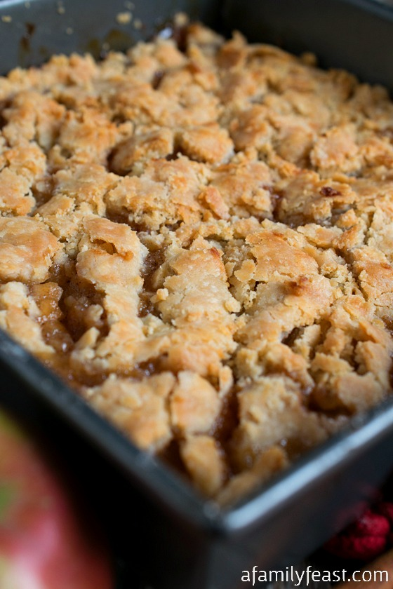 Apple Pandowdy is an old-fashioned, incredibly delicious dessert from ...