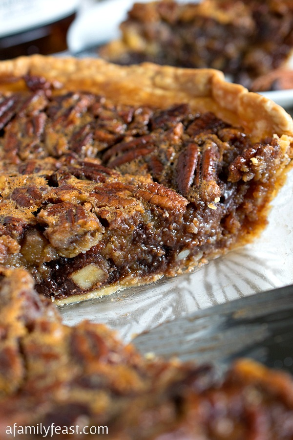 This Chocolate Bourbon Pecan Pie takes a classic dessert – pecan pie ...