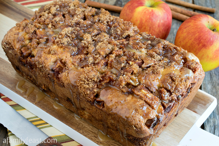 Apple Streusel Bread - A sweet cake-like bread with a layer of apple ...